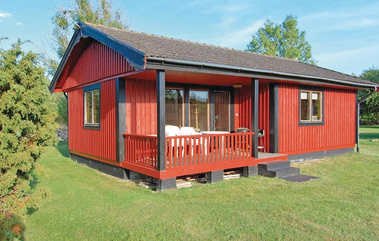 Holiday cottage with 2 bedrooms on 56m² in Köpingsvik