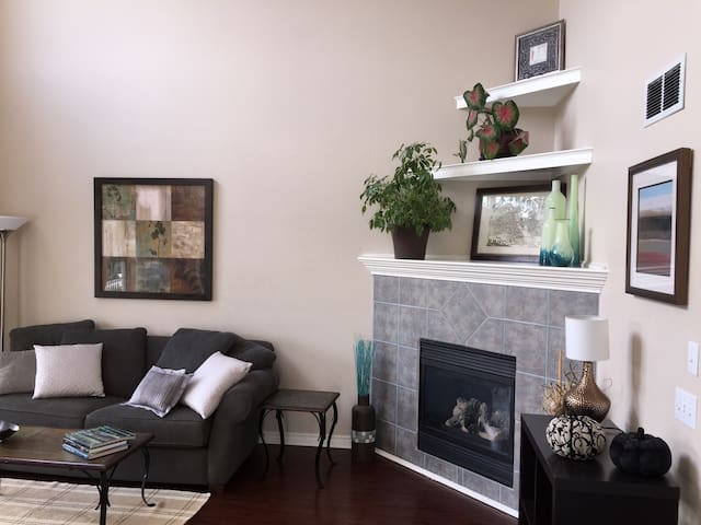 Fashionable and family-friendly Perrysburg home