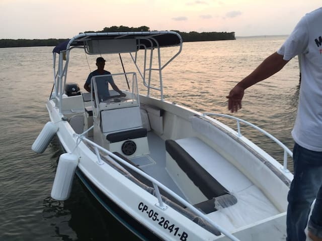 Luxury 30 fts Sport Boat - Cartagena - House