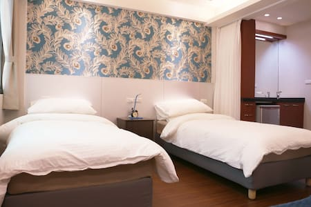 Great location and cozy room Ximending
