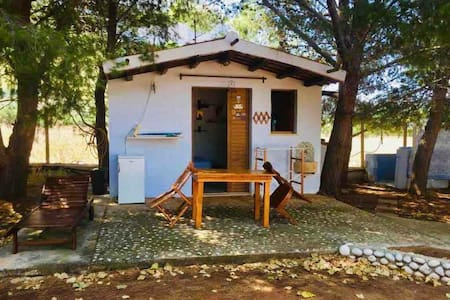 Castelluzzo, tiny House only 300 m from the sea !!