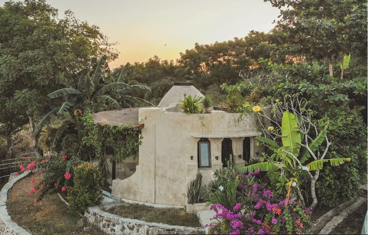 The Dome – eco friendly house with sea views.
