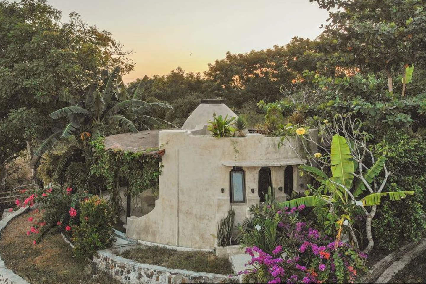 The Dome - Eco friendly house with sea views.