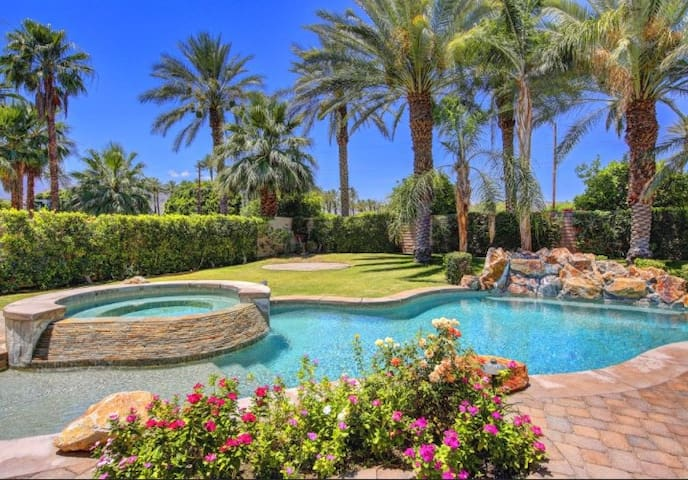 Luxury Retreat Close to Polo Fields