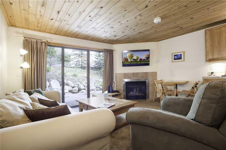 Scandinavian Lodge and SL101 - Cozy Studio At Steamboat Springs