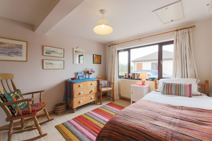Comfortable,homely, single room close to Marazion