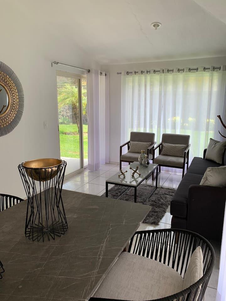 Casa Ibiza Moderna en Jocotepec