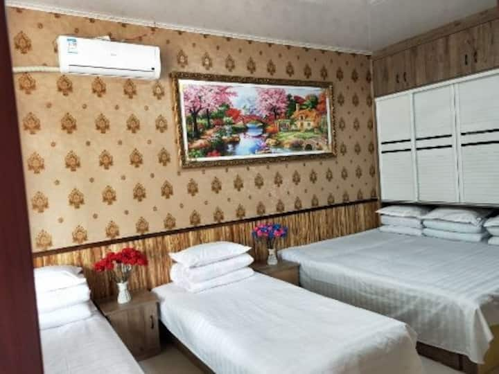 辽宁盘锦红海滩海军农家院五人间独立卫浴