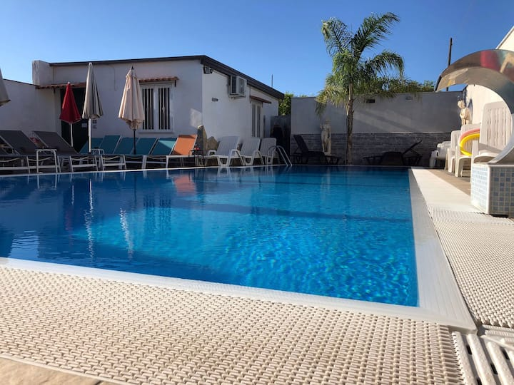 Guesthouse with SPA pool near Pompeii and Amalfi
