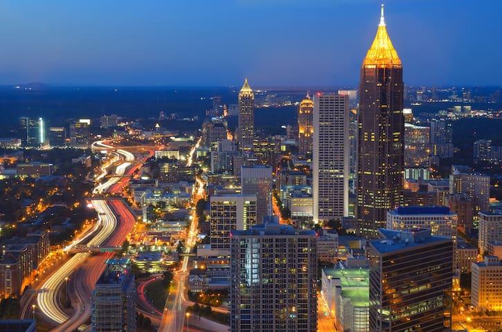 Upscale 1BR1BA Midtown Condo Fully Furnished - Atlanta - Wohnung