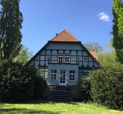 ***Übernachte im Gutshaus in Isernhagen*** - Isernhagen - House
