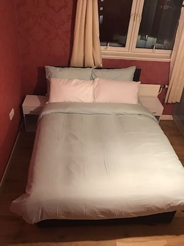Stylish Double Room with great view of Edinburgh