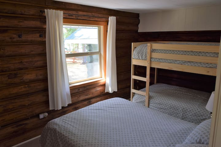 2nd Bedroom with Bunk and Double Bed