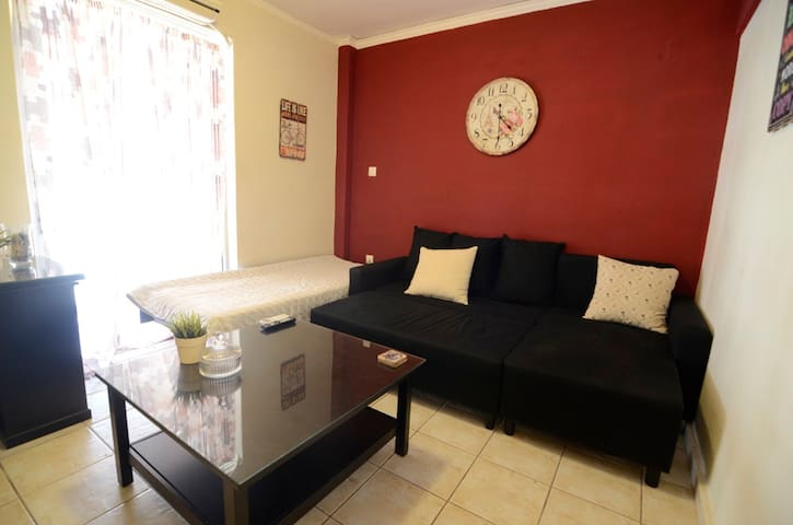 Cosy fully equipped apartment close to the airport