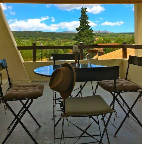 Maison avec magnifiques terrasses sur panorama !