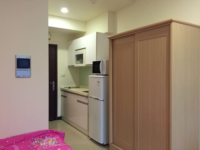 Private Suite RIGHT NEXT to Dingxi Subway Station - 永和