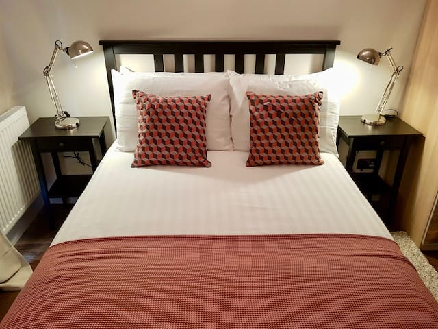 Ensuite Bedroom 2 - Double bed