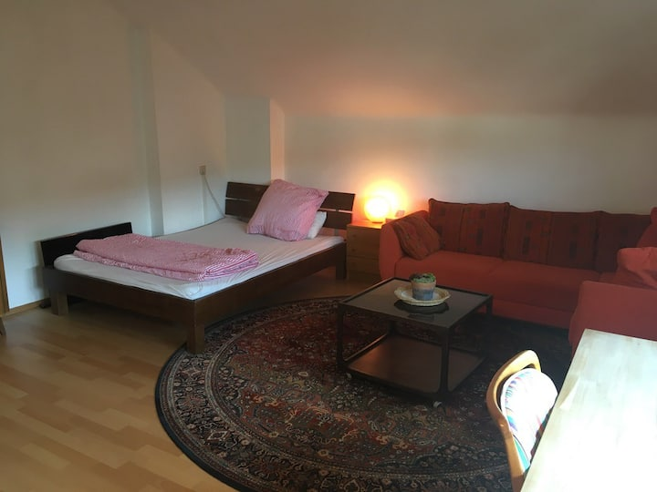Quiet studio close to the subway (u-bahn)
