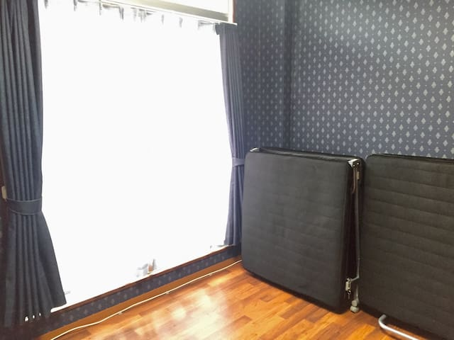 Free WiFi! Private 2 Beds! Wide lockable safe room - Tokushima-shi - Huoneisto