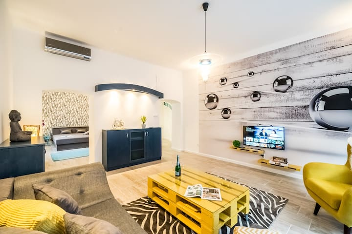 CarpeDiem Dream Home next to Buda Castle A/C
