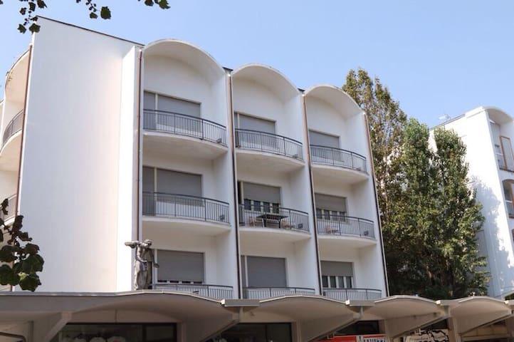 Super appartamento vista mare 120mq