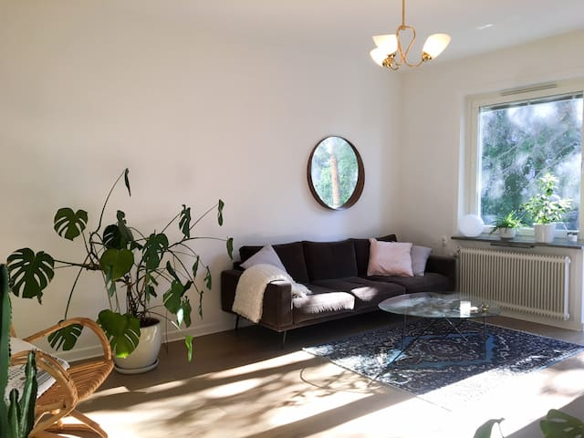 Light and cozy apartment 15 min from Sthlm Central