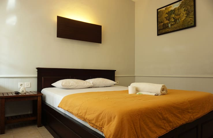 Sari Indah Cottages ( Standard AC )