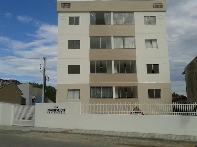 Aproveite:Beto Carrero e lindas praias de Penha SC - Penha - Apartamento