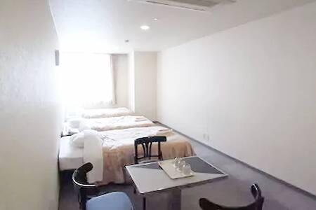 3人宿泊で15,000円~の部屋①