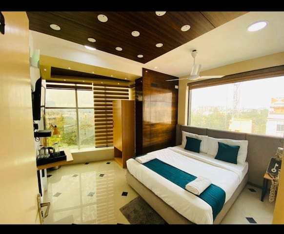 Couple Friendly New Executive Room with breakfast