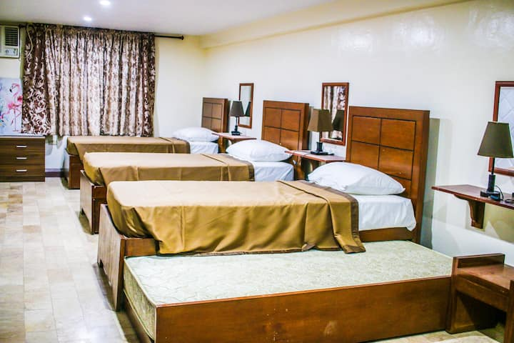 Sentro Suites BnB | 1-BR for 4 in Downtown Davao