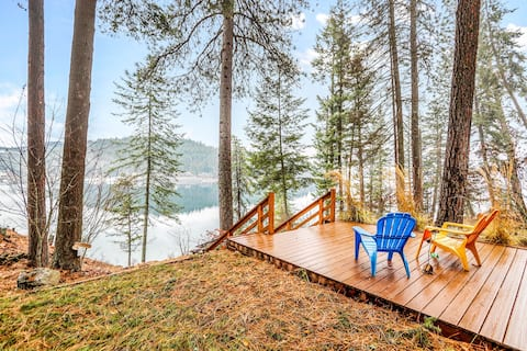 Dog-friendly, waterfront cabin w/deep water frontage & private dock!