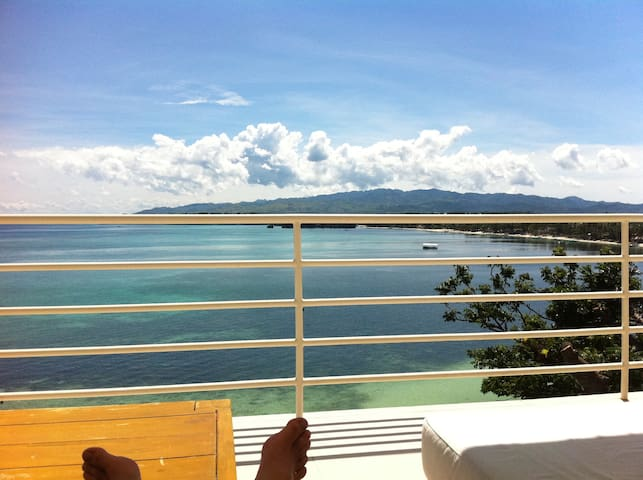 Big 3 bedroom apt overlooking sports beach Boracay - Aklan - Leilighet