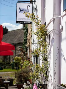 The White Swan : Pub - Restaurant - Rooms - Gilling West
