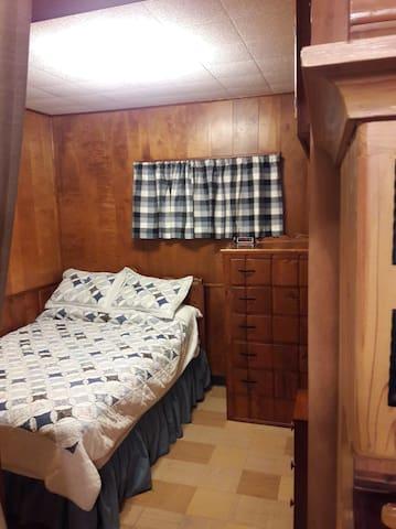 Homey Cabin