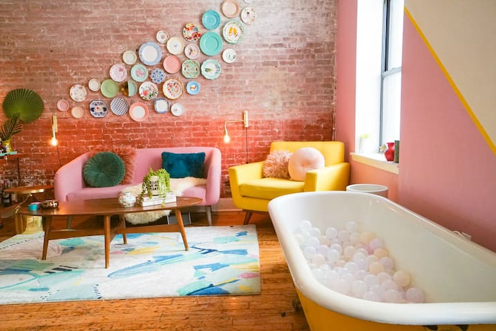 AUTHENTIC LOFT BY THE WATER | PRIME DUMBO-BROOKLYN