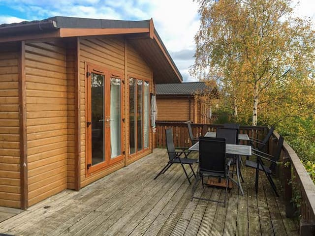 CLACHNABEN VIEW LODGE, pet friendly in Banchory, Ref 932262