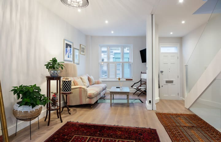 Stunning 3-Bed House w/Terrace in Notting Hill