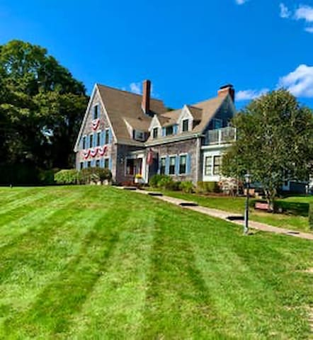 Historic Luxury Inn on the Cape