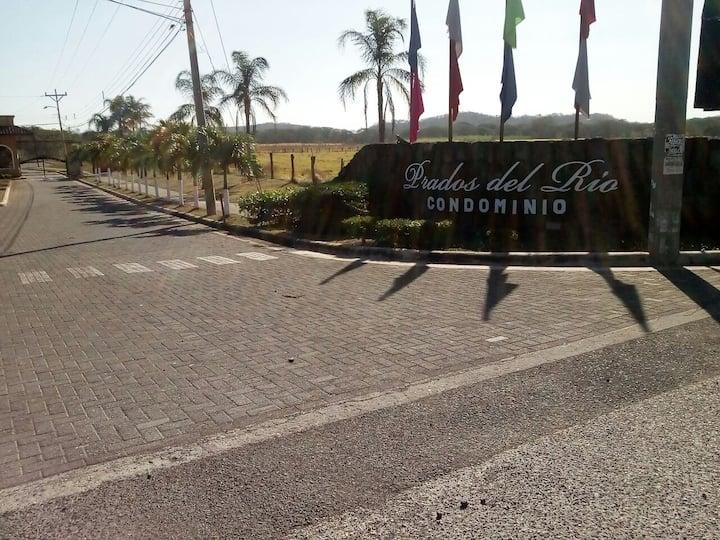 Condo near Liberia (Prados del Río N°46)