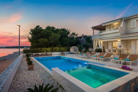 Villa Naranca - First on the Beach - Heated Pool !