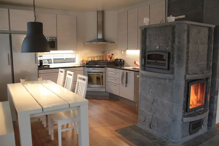 New modern  house only 10km from Ski-Stadium - Lahti - Casa