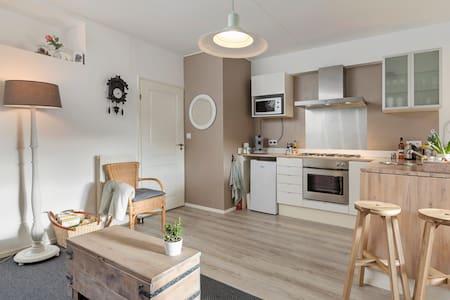 Knusse studio met eigen keuken, midden Nederland.