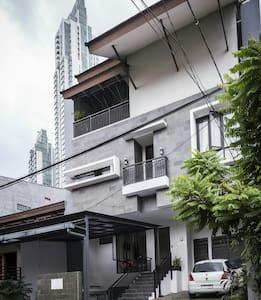 Amelia Guest House2 - Kecamatan Setiabudi