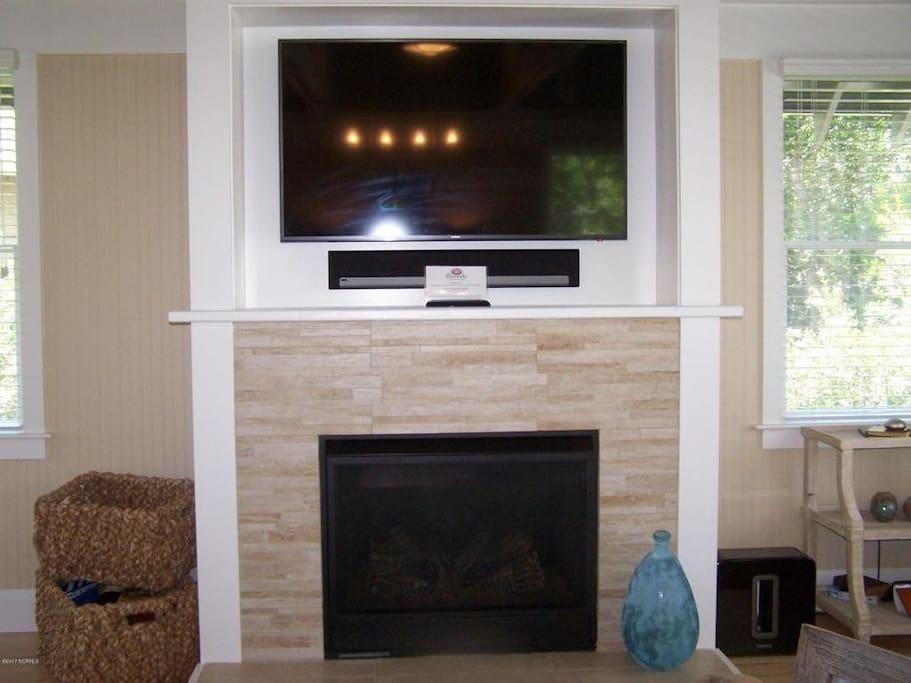 TV /Fireplace