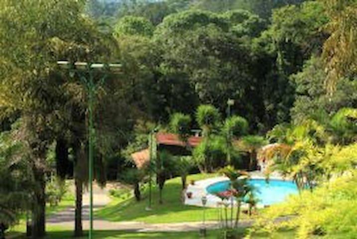 Chalé Duplex Trabalhe e Relaxe prox. São Paulo