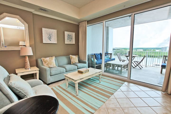 Wharf 615- Amazing Views from your very own 6th floor balcony! Enjoy all The Wharf has to offer including use of the  Oasis Water Park during your stay!