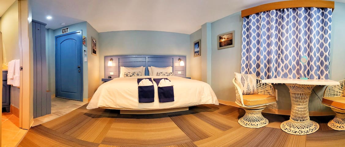Hummingbird Suites Maya Beach Comfort King Room 8