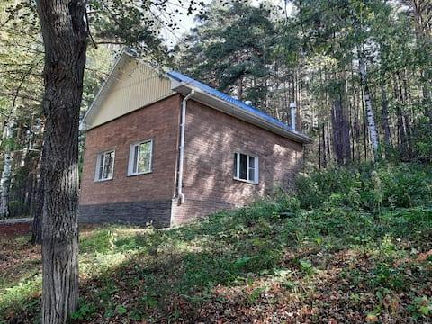 Уютный дом у озера Тургояк