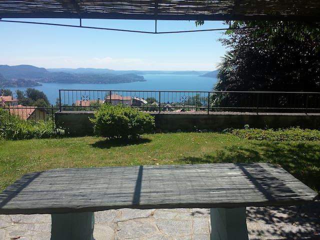 VERBANIA - Lake Maggiore - Casa del Sole (max 4 p)